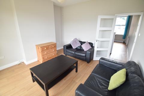 3 bedroom terraced house to rent - Rustlings Road, Sheffield S11