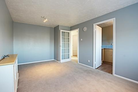 2 bedroom apartment to rent - Fisher Close, Enfield, Middlesex, EN3