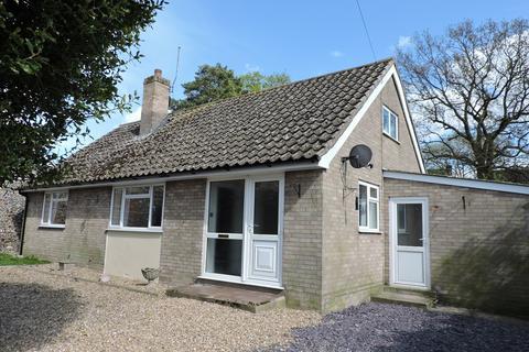 3 bedroom detached bungalow to rent - Park Yard, Ixworth