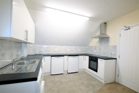 2 bedroom flat to rent - St Augustine Avenue, South Croydon