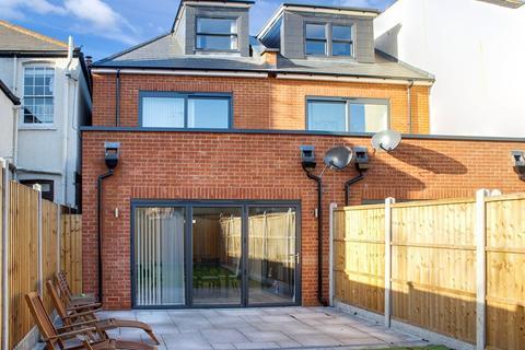 3 bedroom terraced house for sale - Pembroke Road, Muswell Hill, London, Greater London, N10