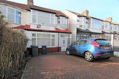 2 bedroom flat to rent - Windsor Drive, East Barnet, EN4