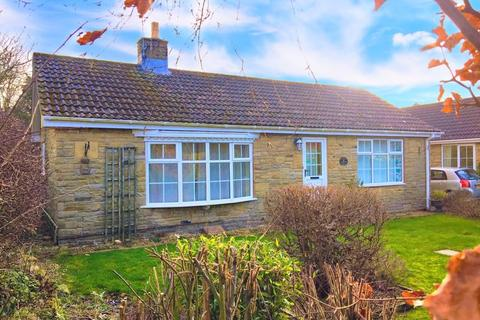 2 bedroom detached bungalow for sale - Linton Close, Scarborough