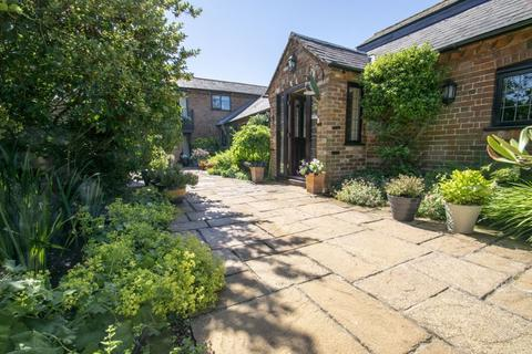 4 bedroom barn conversion for sale - Rectory Road, Steppingley