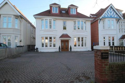 2 bedroom apartment to rent - Grand Avenue , Southbourne , Bournemouth