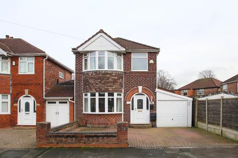 3 bedroom detached house for sale - Conway Road, Davyhulme, Manchester, M41