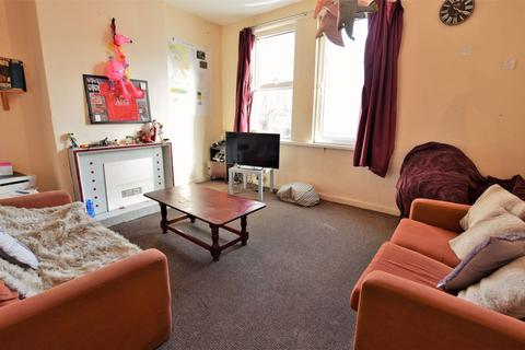 2 bedroom flat to rent - Brudenell Grove, Leeds