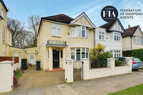 4 bedroom semi-detached house to rent - Staveley Road, Chiswick