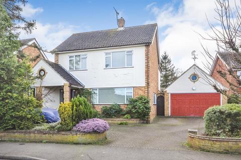 3 bedroom detached house for sale - Longmead Avenue, Chelmsford