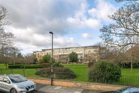2 bedroom flat for sale - Grove Park Oval, Gosforth, Newcastle Upon Tyne