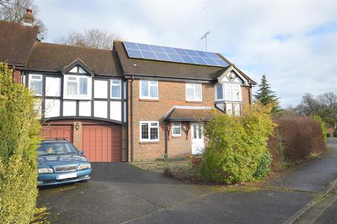 5 bedroom semi-detached house for sale - Hudsons, Tadworth