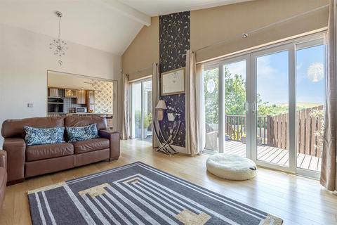 3 bedroom bungalow for sale - Mottram Old Road, Stalybridge, Cheshire, SK15 2TE