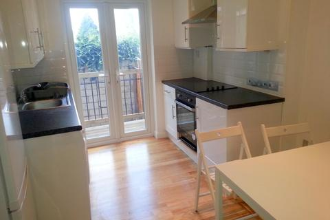 3 bedroom ground floor flat to rent - Rotherhithe New Road, Surrey Quays, London SE16 2AD