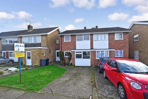 4 bedroom semi-detached house for sale - Mead Way, Canterbury, Kent