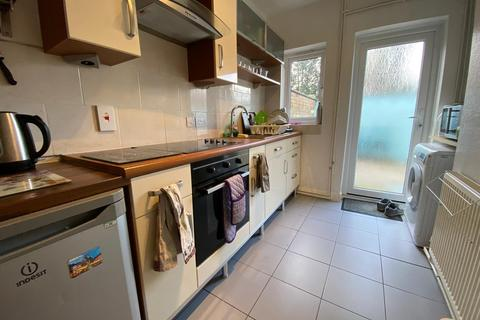 3 bedroom terraced house to rent - 3 Church Ave., Nottingham, NG7 2EW