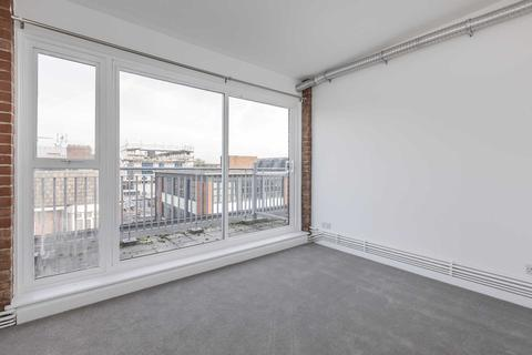 2 bedroom flat to rent - Victoria Park, London