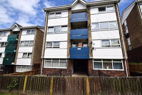 3 bedroom maisonette for sale - Longleat Gardens, South Shields