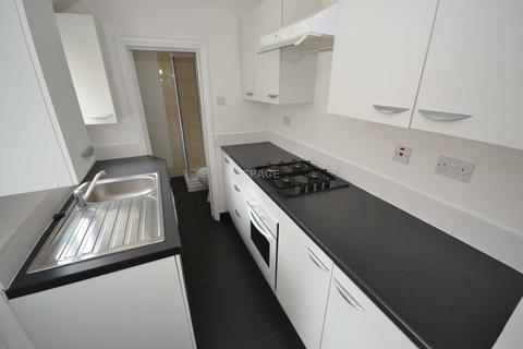 2 bedroom terraced house to rent - Albany Road, Reading, Berkshire, RG30 2UN