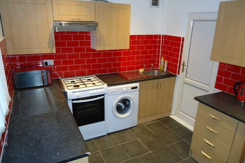 3 bedroom end of terrace house - Romer Road, Liverpool *No student application fees*