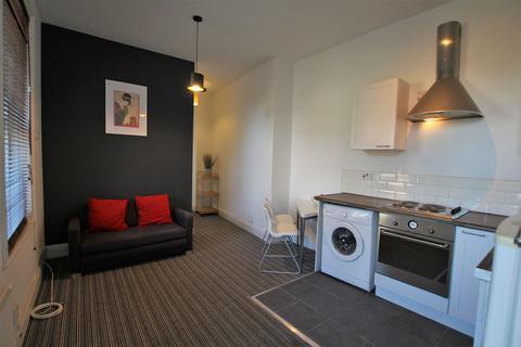 2 bedroom terraced house to rent - Lincoln Street, Gateshead, Tyne and Wear, NE8 4EE