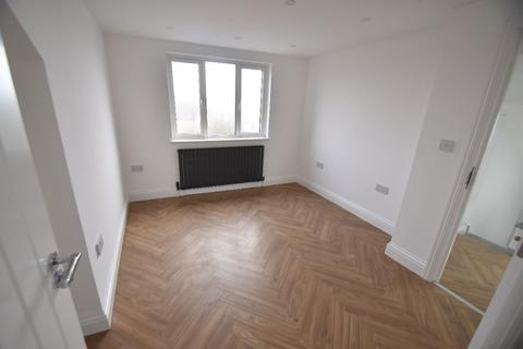 2 bedroom apartment to rent - Friars Way, London