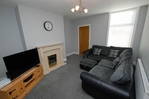 3 bedroom flat for sale - Coleridge Avenue, South Shields