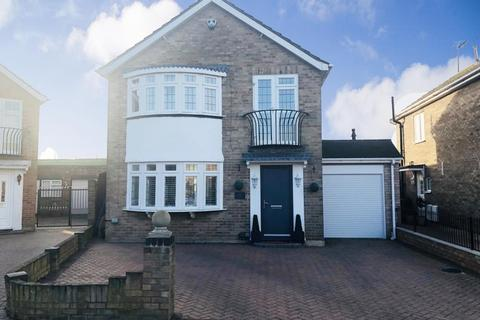 4 bedroom detached house for sale - Staines Upon Thames, Surrey, TW19