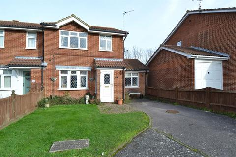 3 bedroom semi-detached house for sale - Primrose Way, Chestfield, Whitstable