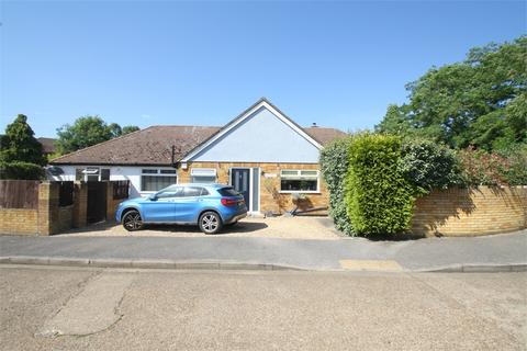 3 bedroom detached bungalow for sale - Florence Gardens, Staines-upon-Thames, Surrey