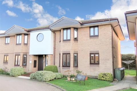2 bedroom retirement property to rent - Mistley, Manningtree