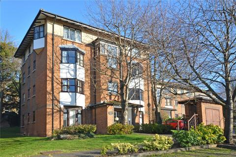 2 bedroom flat to rent - Celestial Gardens, London, SE13