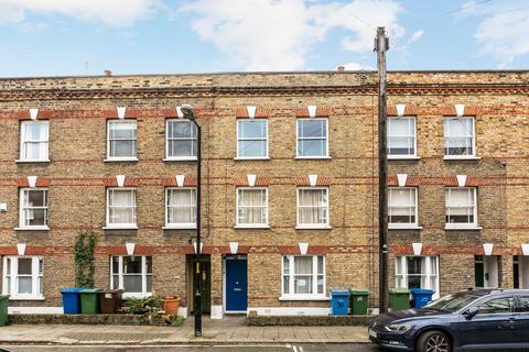 3 bedroom terraced house for sale - Henshaw Street, London