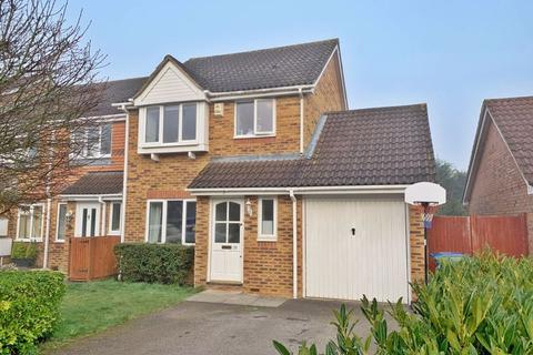 3 bedroom semi-detached house to rent - Deller Street, Bracknell