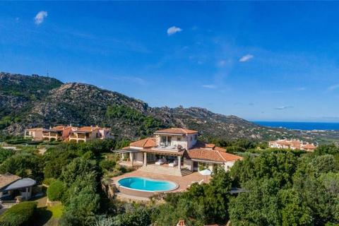 6 bedroom house - Porto Cervo, Sardinia, Italy