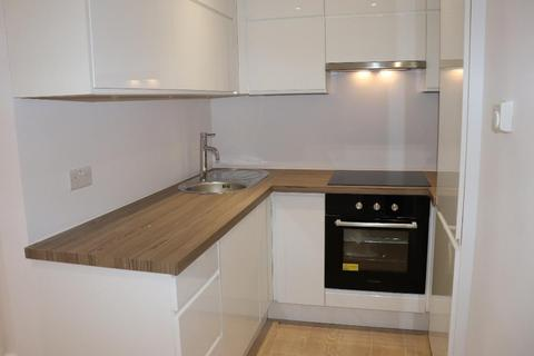 1 bedroom flat to rent - Buckingham Street, Aylesbury, Buckinghamshire, HP20 2GH