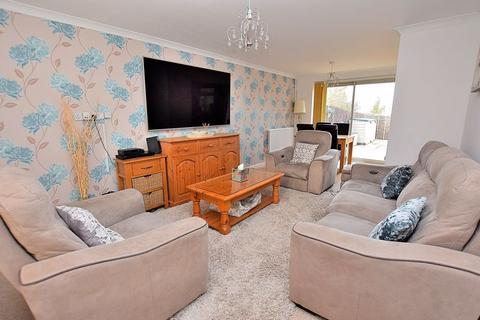 4 bedroom semi-detached house for sale - HEAVILY EXTENDED family home within SOUTH WEST DUNSTABLE!