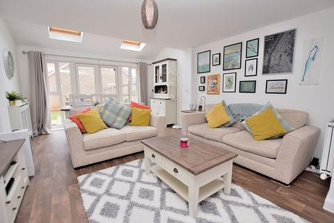 3 bedroom semi-detached house for sale - WOW! Absolutely STUNNING, three DOUBLE bedrooms, 23' LIVING ROOM!