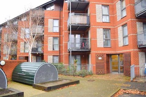 2 bedroom apartment to rent - Lewin Terrace, Bedfont