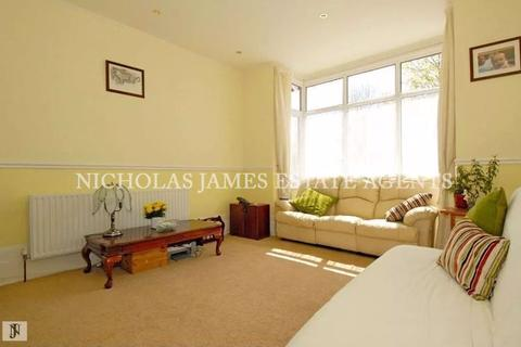 2 bedroom apartment to rent - Springfield Road, Arnos Grove, London N11
