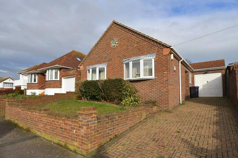 3 bedroom detached bungalow for sale - Bradstow Way, Broadstairs, CT10
