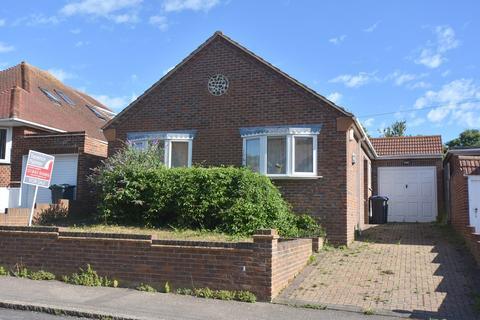 3 bedroom detached bungalow for sale - Bradstow Way, Broadstairs, CT10