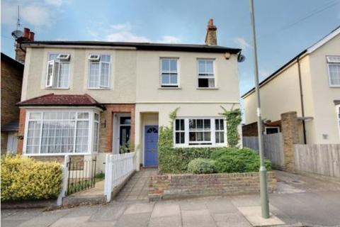 3 bedroom semi-detached house to rent - Coleridge Road, Ashford, TW15