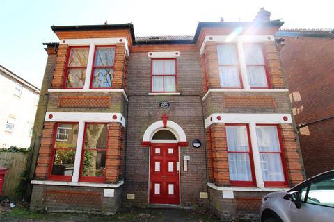 Studio to rent - Studley Road, Luton