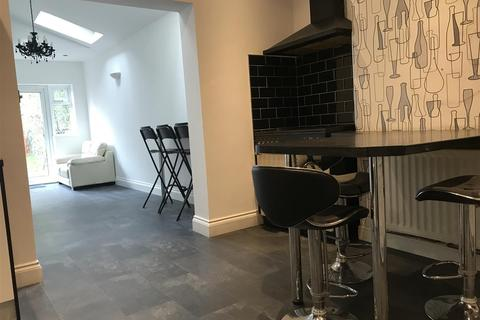 Studio to rent - Ashcroft Road, Luton