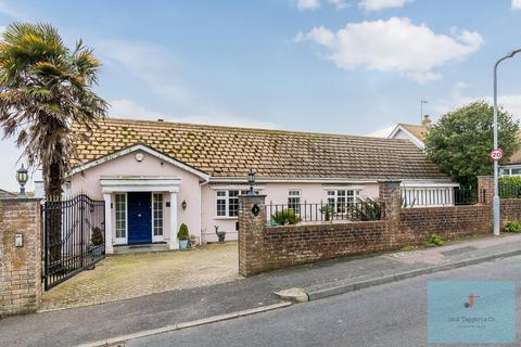 3 bedroom house for sale - Royles Close, Rottingdean, Brighton, BN2