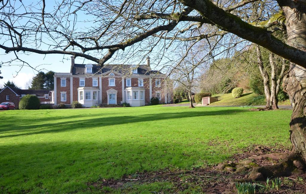 Halse Manor