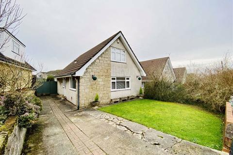 3 bedroom detached bungalow for sale - Heol Cleddau, Waunarlwydd, Swansea