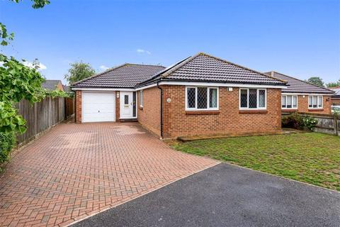 3 bedroom detached bungalow for sale - The Willows, Ashford, Kent