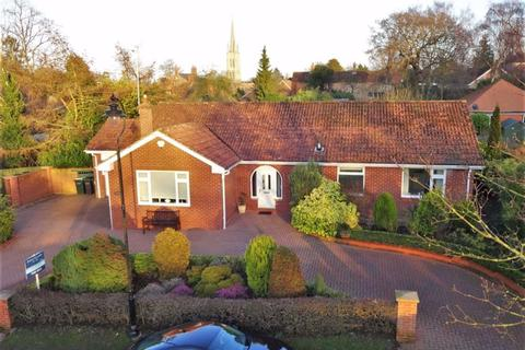 2 bedroom detached bungalow for sale - Love Lane, Louth