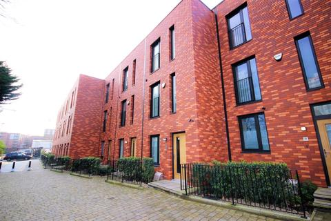 3 bedroom townhouse for sale - Carpino Place, South William Street Salford M3